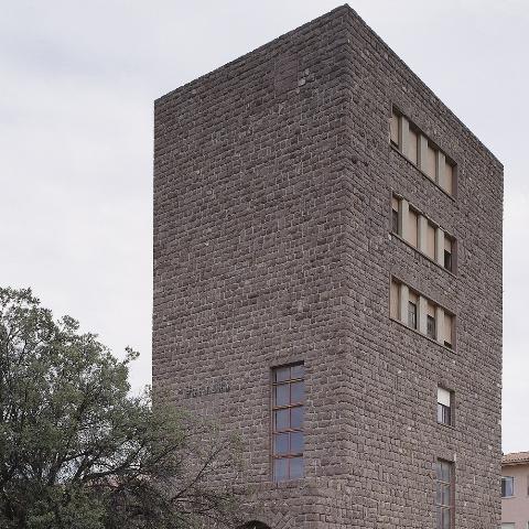 Sardegna cultura argomenti architettura postunitaria for 1 1 2 piani di cottage storia