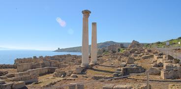 Cabras, colonne romane dell'area archeologica di Tharros
