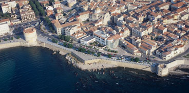 Alghero, il centro storico e i bastioni